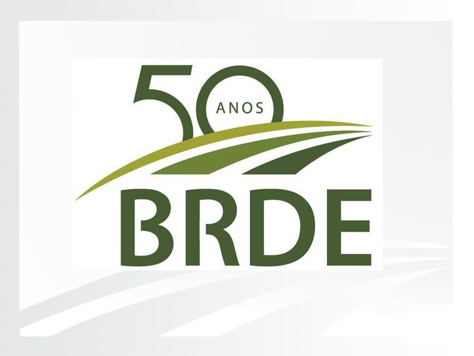 BRDE e sua atuação no financiamento de projetos BRDE e sua atuação no financiamento de projetos em Energias Renováveis Rogério Gomes Penetra Gerente de Planejamento Agência de Santa Catarina Xanxerê, 3 de maio de 2012