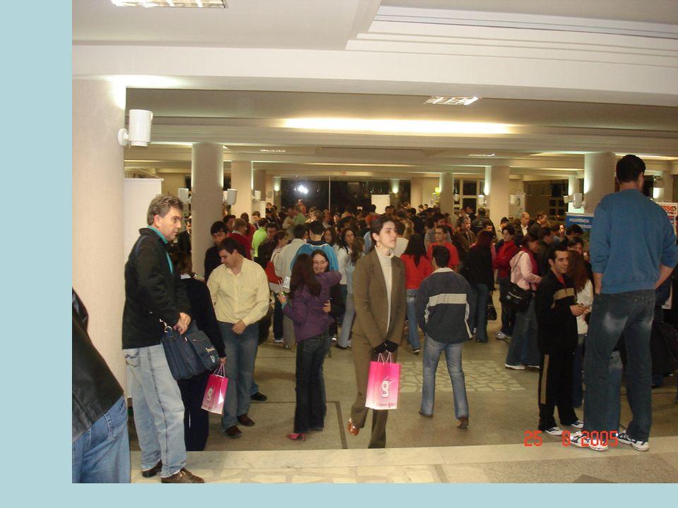HISTÓRICO 4ª edição – 2006 Coordenadora: Luiza da Silva Local: Bloco G da Unidavi Nº expositores: 31 empreendimentos