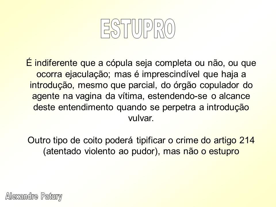 Ainda que haja contato físico entre o agente e a vítima, como ocorre, por exemplo, num beijo não lascivo, ainda que indesejado, a infração caracteriza apenas a contravenção penal.