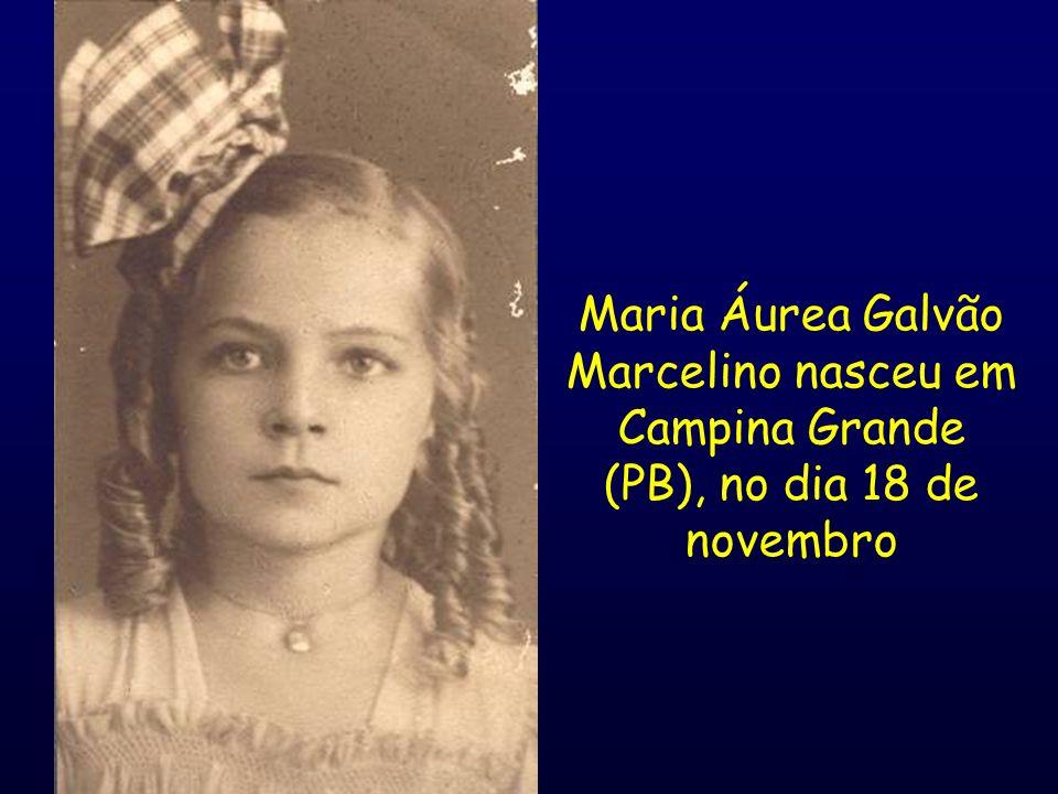 Aos 15 anos Estudou o curso científico no Colégio Nossa Senhora do Carmo (Recife).