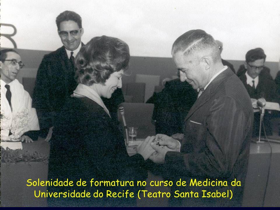 Solenidade de formatura no curso de Medicina da Universidade do Recife (Teatro Santa Isabel)