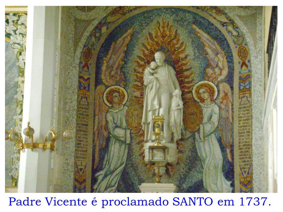 Padre Vicente é proclamado SANTO em 1737.