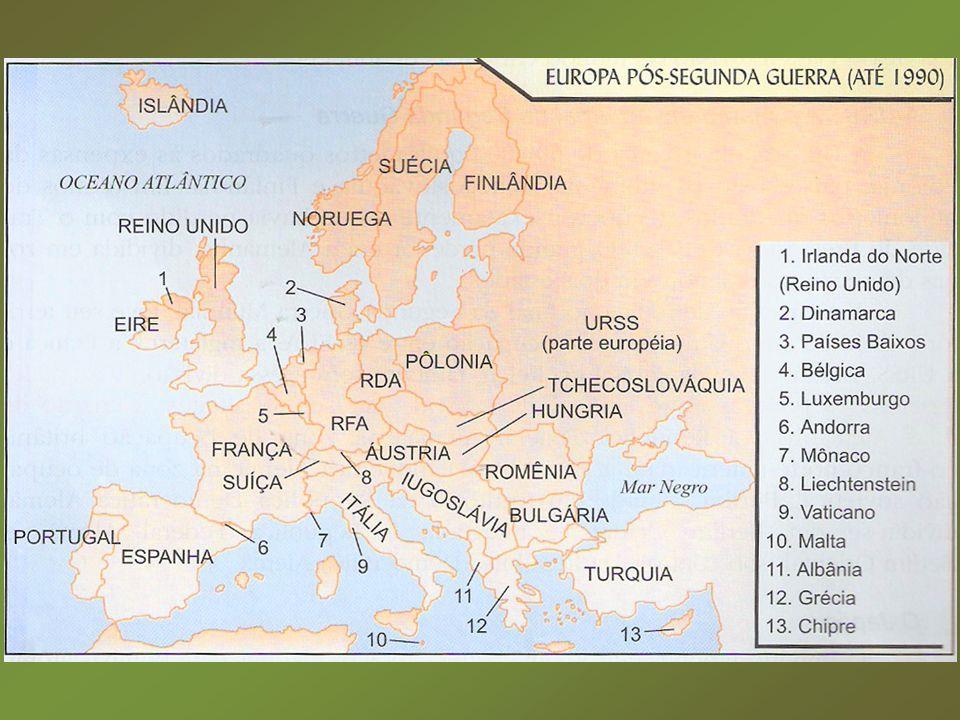 Guerra Fria: Guerra Fria: – Confronto entre URSS e EUA em vários campos.