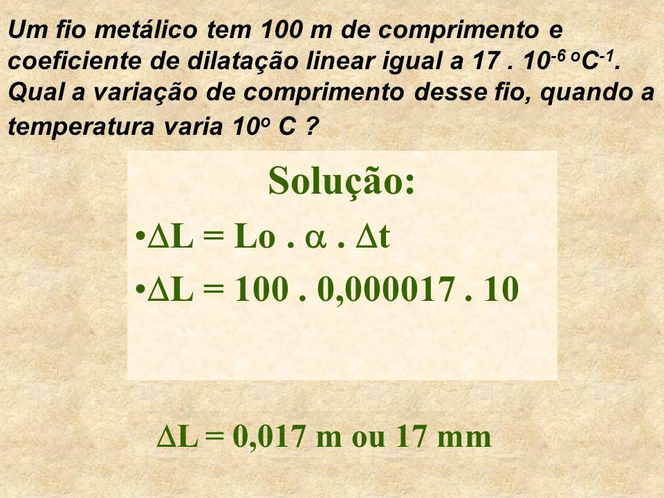 Então, a 4o 4o C, tem-se o menor volume para a água e, consequentemente, a maior densidade da água no estado líquido. Observação: A densidade da água