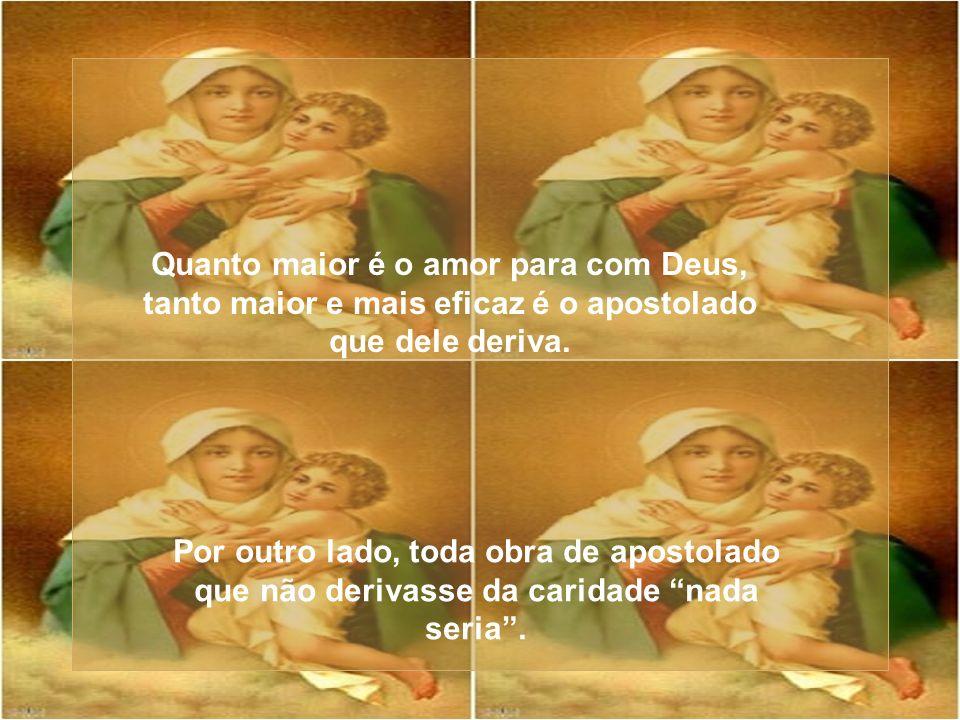 De fato, o Pai das misericórdias quis que a sua aceitação precedesse a Encarnação para que, assim como a mulher contribuiu para a morte, mulher também