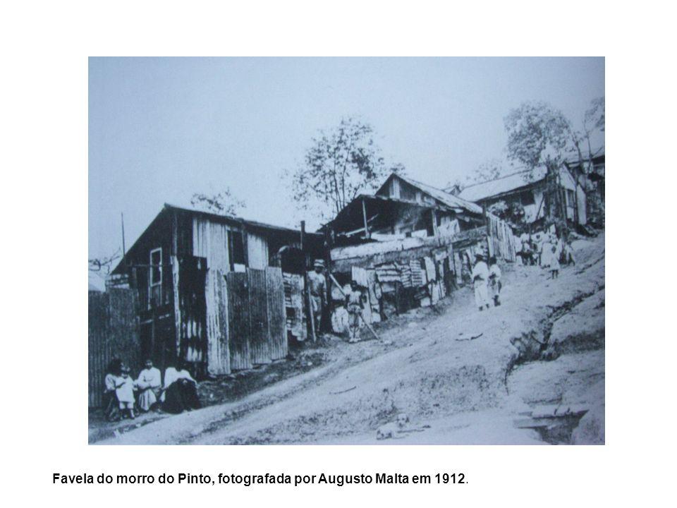 Favela do morro do Pinto, fotografada por Augusto Malta em 1912.
