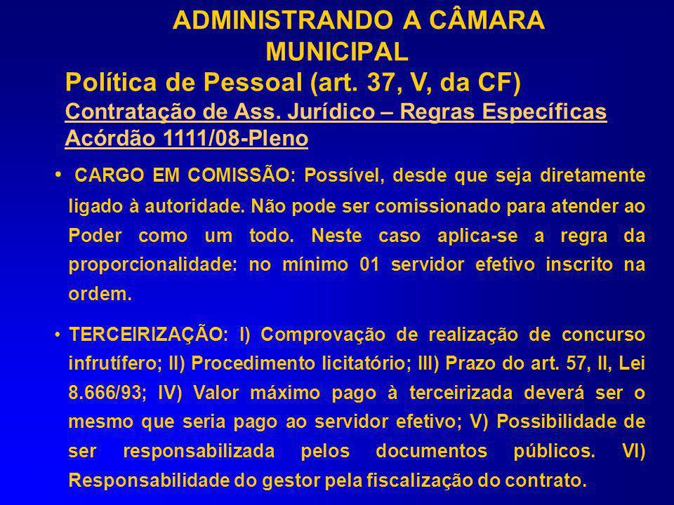 CARGO EM COMISSÃO: O departamento com pelo menos 01 servidor efetivo inscrito no CRC poderá ser chefiado por cargo comissionado ou servidor efetivo co