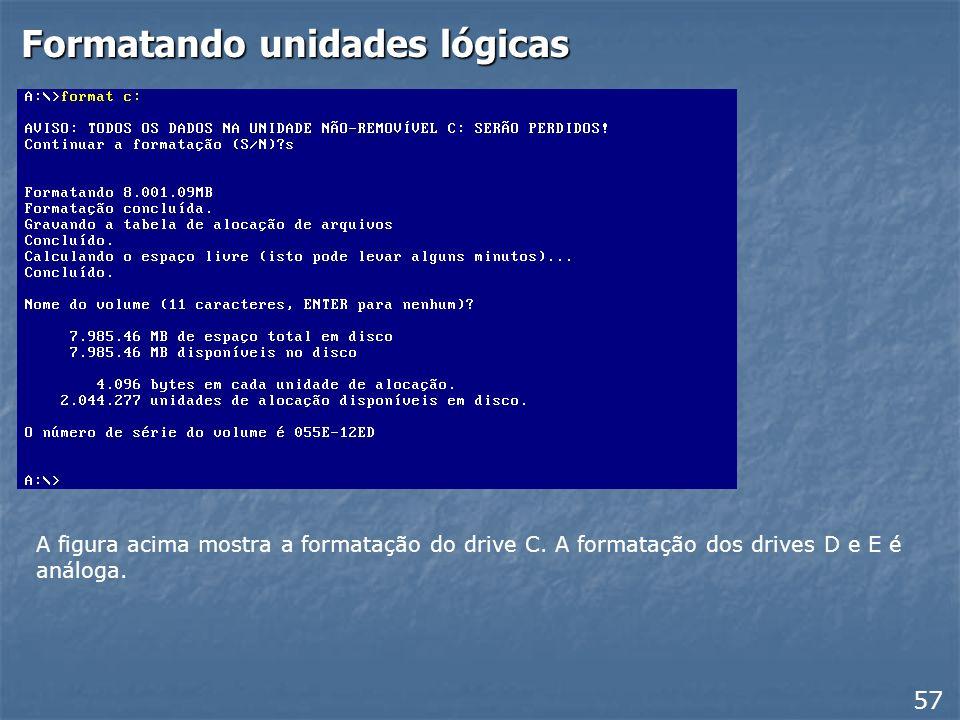 Reiniciando com o disquete 56 Ao reiniciar o computador, o disquete de inicialização apresentará um menu entre as quais aparecem as opções: Iniciar o