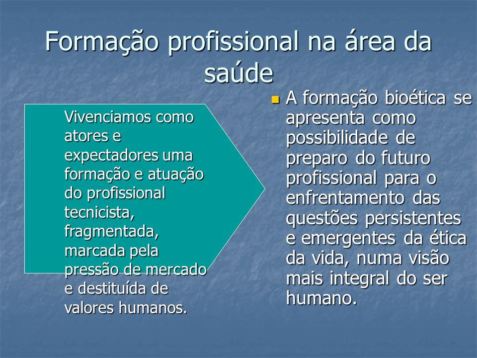 Fragmentação e ultra especialização profissional Em todos os campos, o desenvolvimento das especializações e dos compartimentos burocráticos tendem a