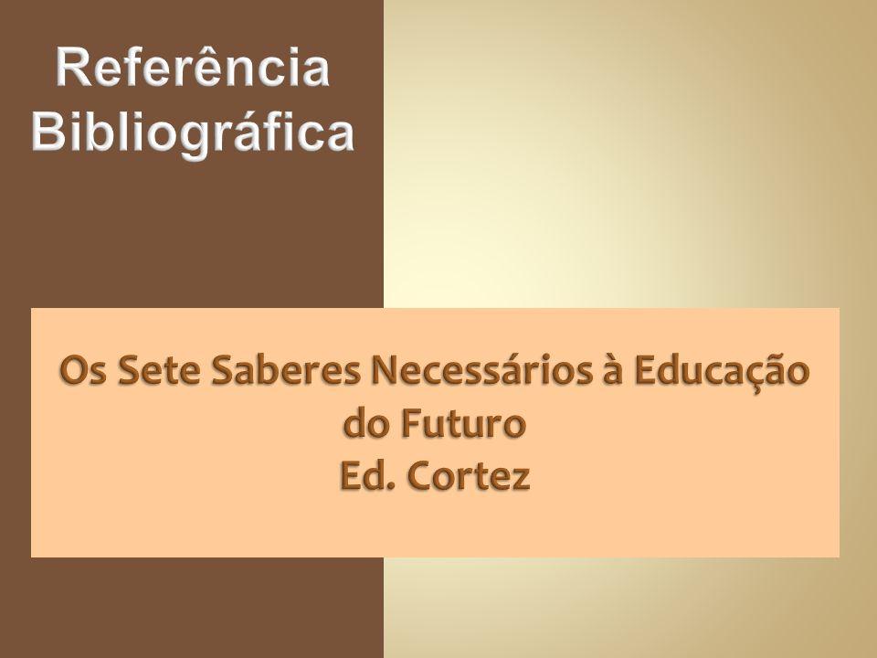 Ensinar é um processo político: os professores definem o que incluir e o que excluir, e com isto legitimam certas crenças, enquanto deslegitimam outras e, muitas vezes, com o passar do tempo o conhecimento selecionado chega a ser visto como inquestionável