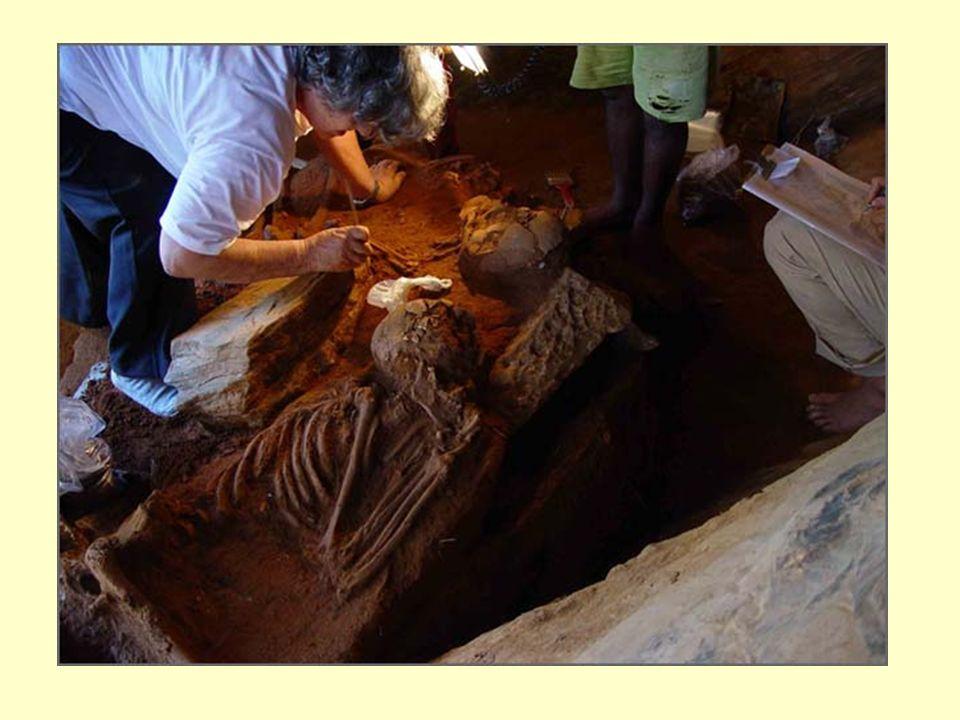 Mumificação: Primeiro, o corpo era levado para um local conhecido como ibu ou o lugar da purificação.