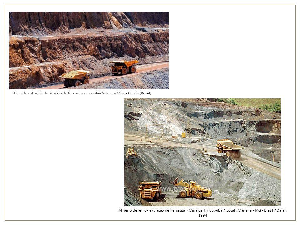 Usina de extração de minério de ferro da companhia Vale em Minas Gerais (Brasil) Minério de ferro - extração de hematita - Mina de Timbopeba / Local :