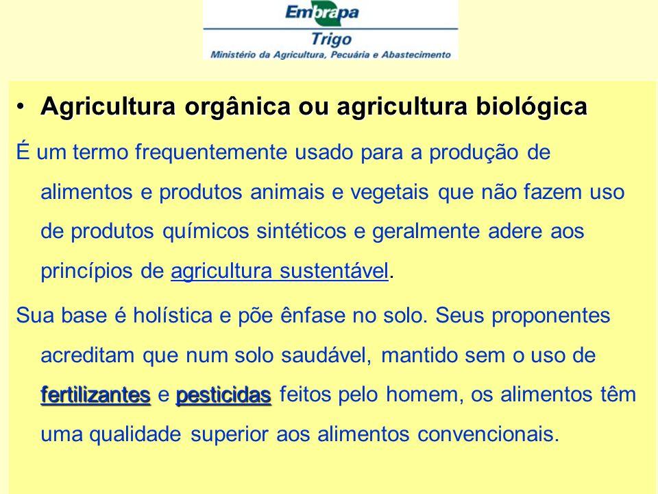 Agricultura de Conservação Enfocado como um sistema de exploração agropecuária que envolve diversificação de espécies via rotação de culturas, mobiliz