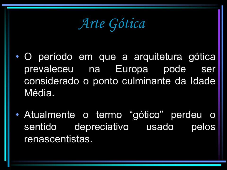 Arte Gótica - Escultura A escultura gótica desenvolveu-se paralelamente à arquitetura das Igrejas; Procurou expressar a beleza ideal do divino; Pode ser vista como um complemento à arquitetura.