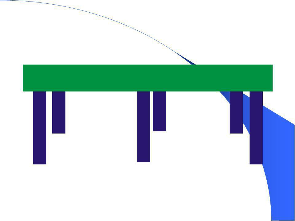 A superfície de jogo deve ser dividida em duas partes iguais por uma rede vertical correndo paralela às linhas de fundo, e ser contínua sobre toda a área de cada parte da mesa.