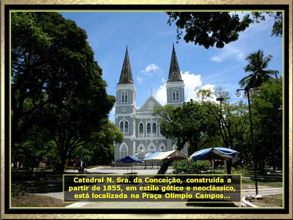 Igreja Santo Antonio, localizada num dos pontos mais altos de Aracaju. Construída em 1845, em estilo neogótico, foi o marco inicial da cidade. Aracaju
