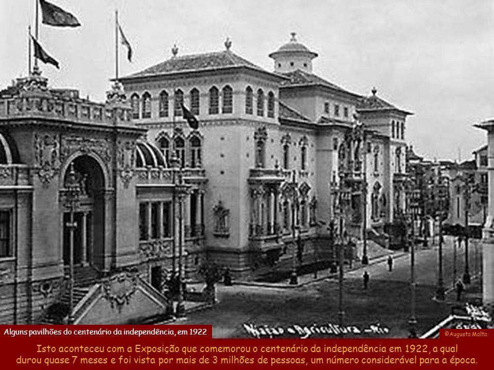 ©Arquivo Público Mineiro As Feiras Internacionais de negócios no início do século XX eram bem diferentes das de hoje, pois os Pavilhões eram construções suntuosas em tijolo, as quais na maioria dos casos só duravam durante o evento.