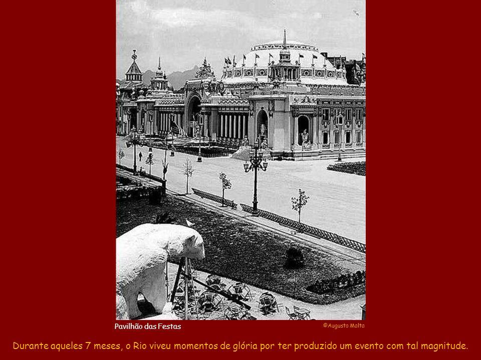 Naquela mesma noite, os altofalantes da Exposição transmitiram a ópera O Guarani diretamente do Teatro Municipal, enquanto os Pavilhões e os navios ancorados se iluminaram num imenso clarão de esplendor.