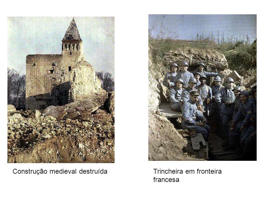 Construção medieval destruída Trincheira em fronteira francesa