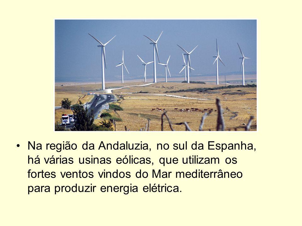 A maior revolução, no entanto, veio com a eletricidade. A utilização dessa forma de energia foi fundamental para que as indústrias pudessem se espalha