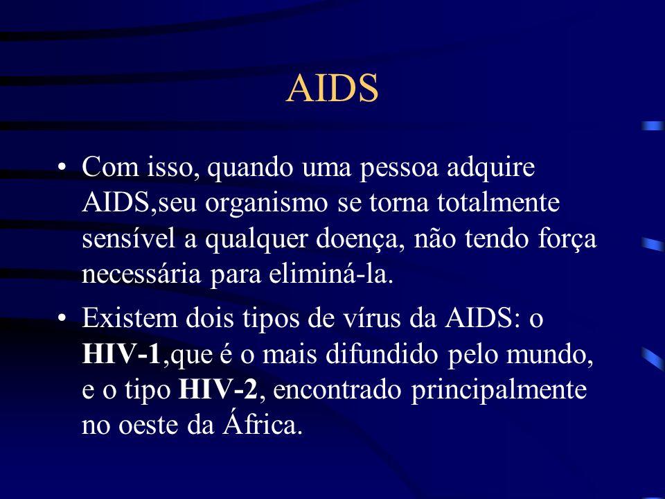 AIDS Essas células são chamadas linfócitos.Existem três tipos de linfócitos, sendo que o vírus HIV tem predileção pelo linfócito auxiliador , que é justamente aquele que ajuda a produzir mais células para combater o agente inimigo.