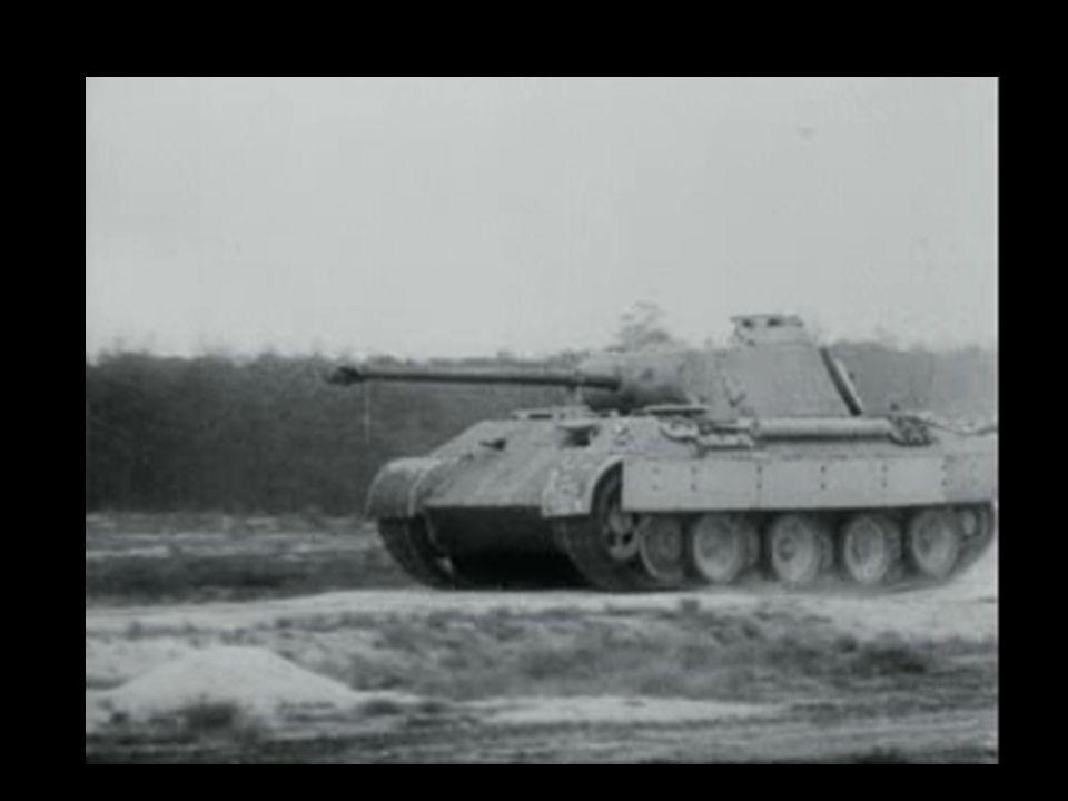 Tanques protagonizam a tática de combate alemã, uma revolução na guerra moderna.
