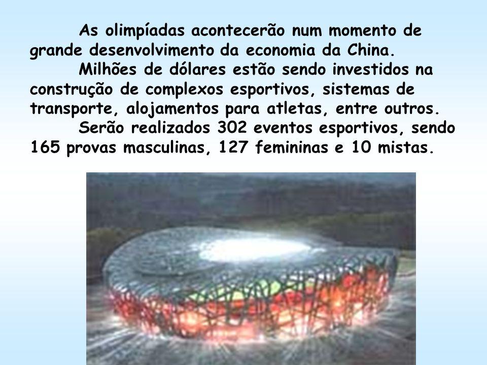 As olimpíadas acontecerão num momento de grande desenvolvimento da economia da China. Milhões de dólares estão sendo investidos na construção de compl