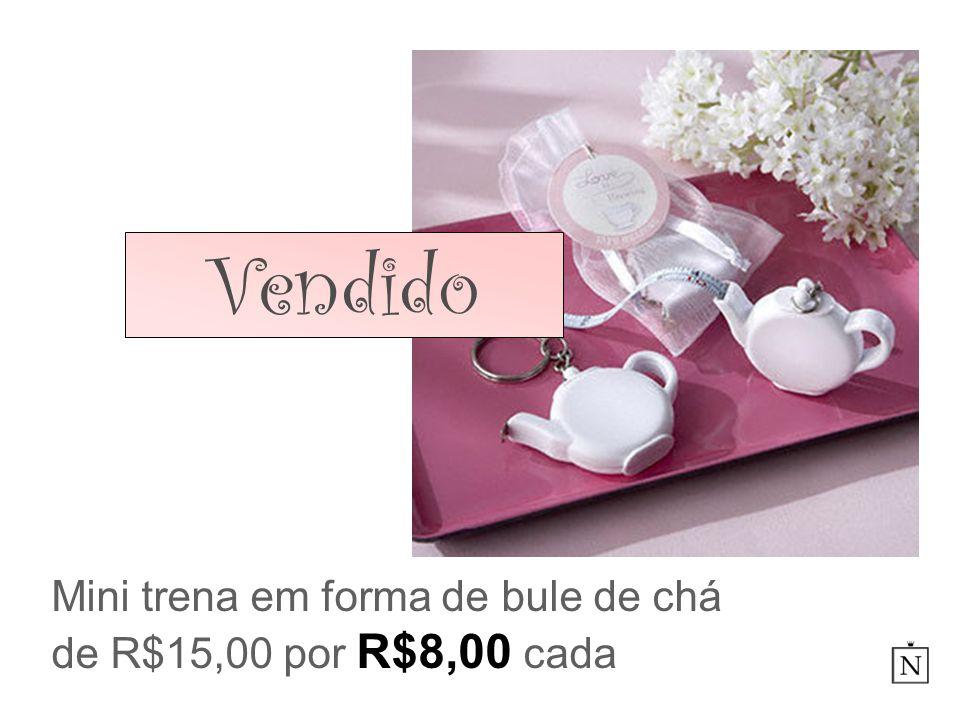 Mini trena em forma de bule de chá de R$15,00 por R$8,00 cada Vendido
