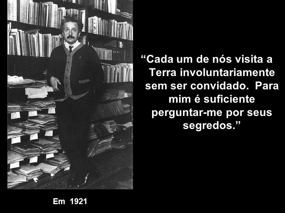Em 1921 aos 42 anos, Prêmio Nobel por seu trabalho de 1905 no Efeito Fotoelétrico. Em 1921 aos 42 anos, Prêmio Nobel por seu trabalho de 1905 no Efeit