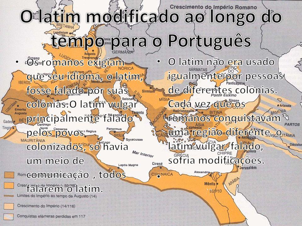 A chegada dos portugueses no Brasil Os portugueses estavam em busca de riquezas, e vieram para o Brasil com a esperança de não haver ninguém no pais.