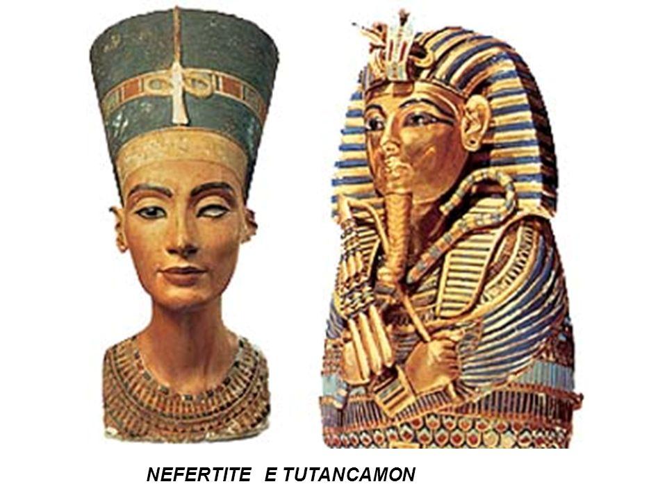 Tutancamon máscara mortuária Pais de Ramsés – baixo-relevo