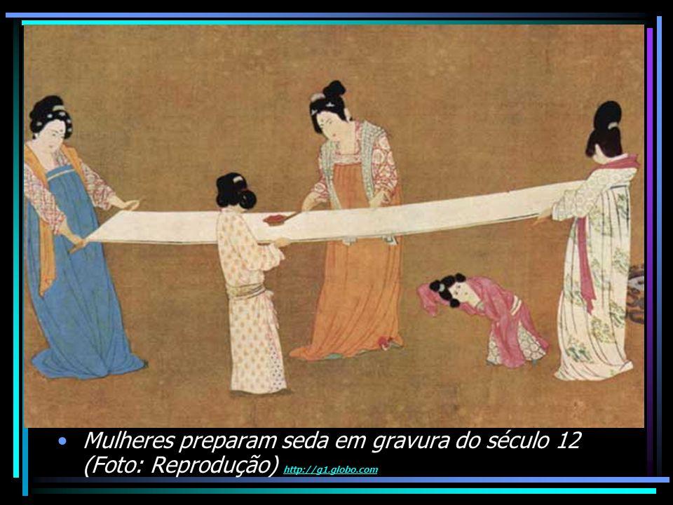 Mulheres preparam seda em gravura do século 12 (Foto: Reprodução) http://g1.globo.com http://g1.globo.com
