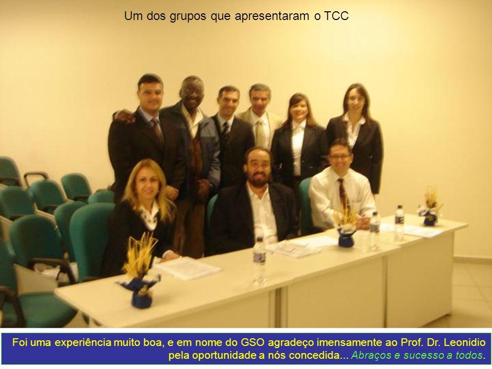 Um dos grupos que apresentaram o TCC Foi uma experiência muito boa, e em nome do GSO agradeço imensamente ao Prof. Dr. Leonidio pela oportunidade a nó