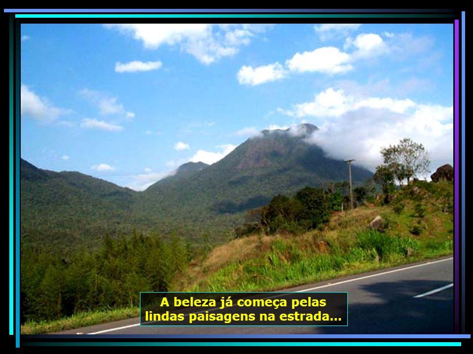 O teleférico de Balneário Camboriú, de um lado ao outro do morro, até a Praia de Laranjeiras…
