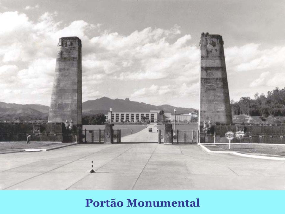 Portão Monumental