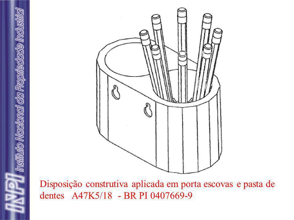 Disposição construtiva aplicada em porta escovas e pasta de dentes A47K5/18 - BR PI 0407669-9