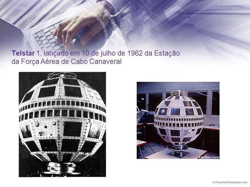 Telstar 1, lançado em 10 de julho de 1962 da Estação da Força Aérea de Cabo Canaveral