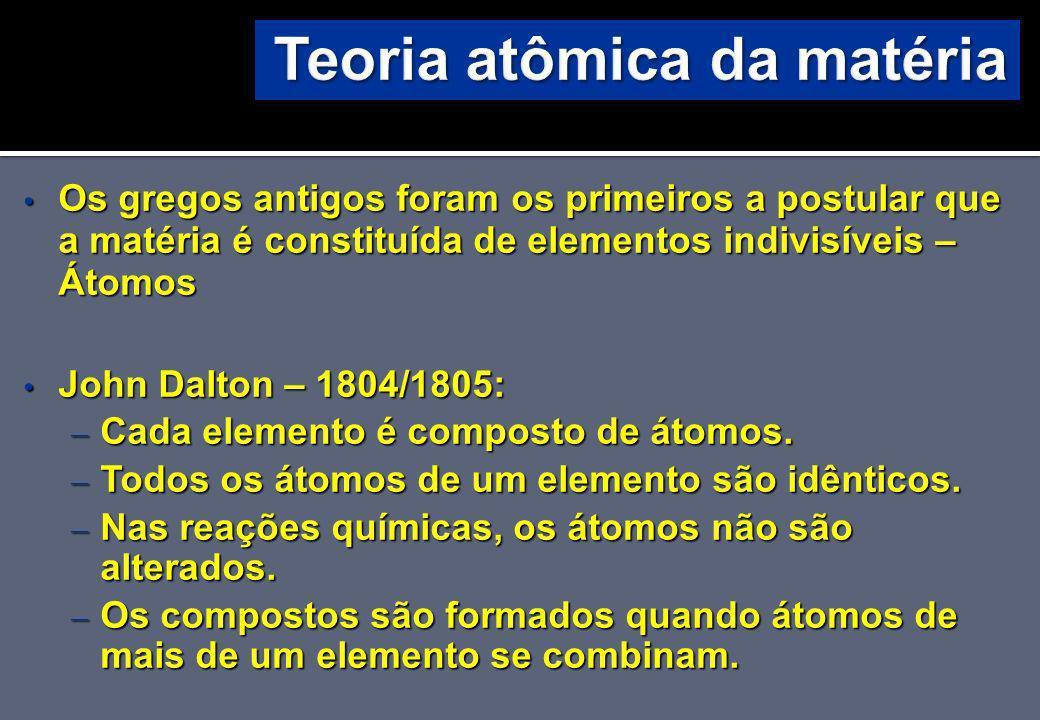 Massas atômicas médias A massa atômica relativa: massas médias dos isótopos: – O C natural: 98,892 % de 12 C + 1,107 % de 13 C.