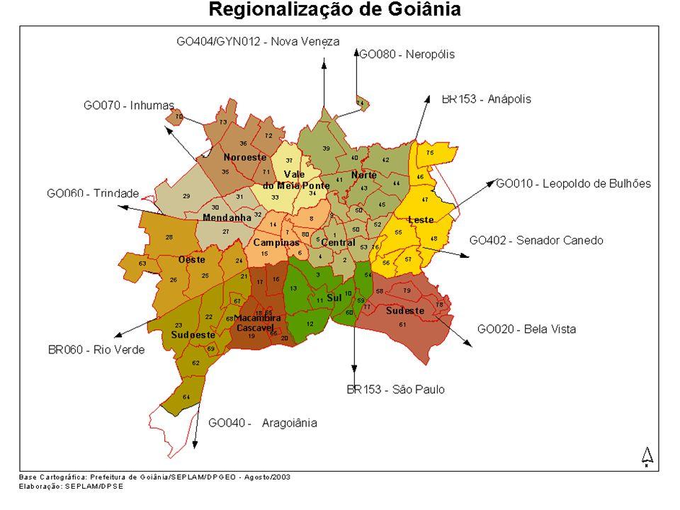 Distribuição Espacial da População de Goiânia Região População por RegiãoParticipação percentual Taxa de Crescimento 19912000 1991 2000 Central 152.449145.96016,713,4-0,5 Sul 157.937165.28717,315,20,5 Macambira-Cascavel 100.16393.10111,08,6-0,8 Oeste 44.93765.3554,96,0 4,3 Mendanha 47.07756.3935,2 2,0 Noroeste 51.367111.6415,6 10,39,0 Vale do Meia Ponte 43.07152.3884,74,82,2 Norte 44.65263.8404,95,9 4,1 Leste 95.950106.96610,5 9,9 1,2 Campinas 123.338123.42913,5 11,4 0,01 Sudeste 34.78043.8083,84,02,6 Sudoeste 17.71557.6381,95,3 14,0 População Urbana 913.4361.085.806100,00 1,9 População Rural 8.7867.201 -2,2 População Total 922.2221.093.007 1,9 Fonte: IBGE - Censo Demográfico 2000.