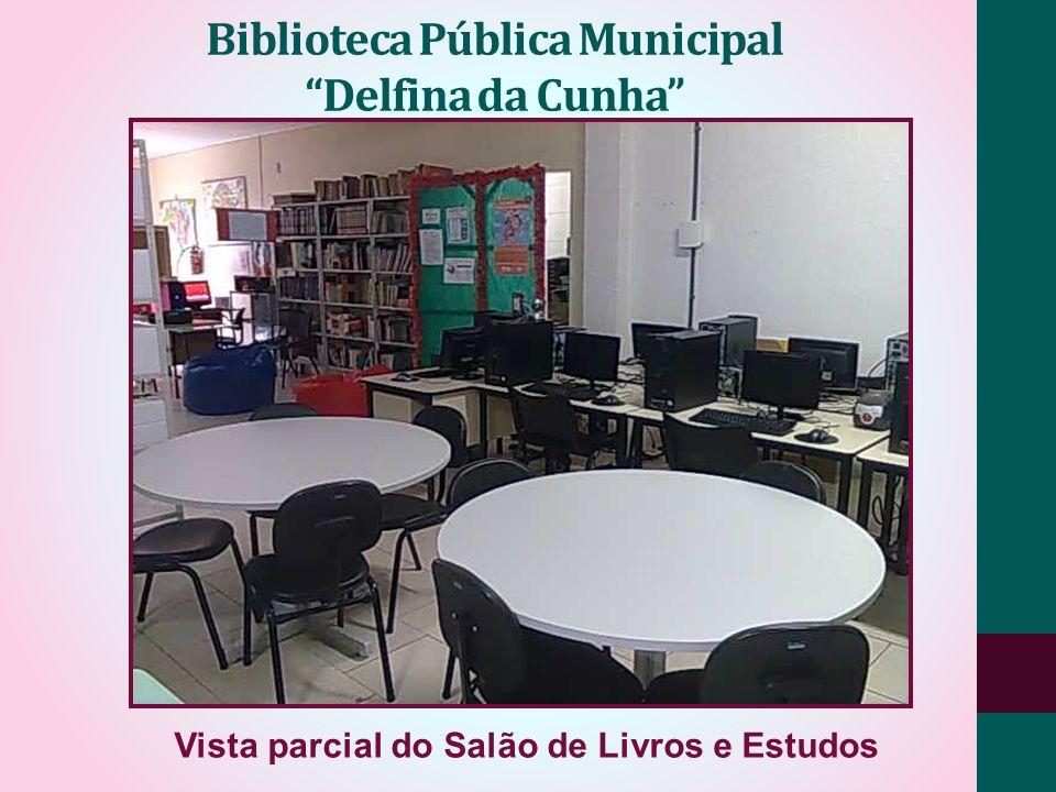 Biblioteca Pública Municipal Delfina da Cunha Vista parcial do Salão de Livros e Estudos