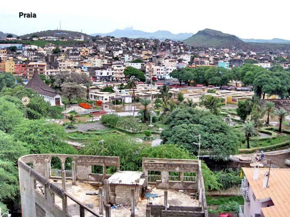 Cabo Verde, oficialmente República de Cabo Verde, é um país insular do Oceano Atlântico ao largo de África. Colónia portuguesa a partir de 1456 (antes