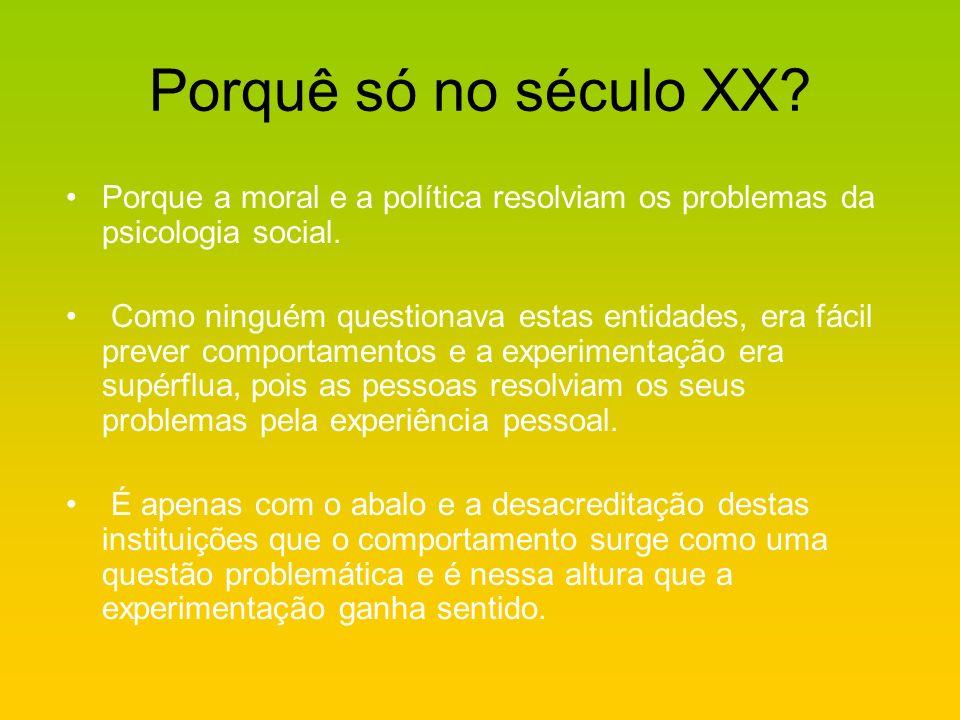 O que trata a psicologia social.Os comportamentos dos indivíduos na sociedade.