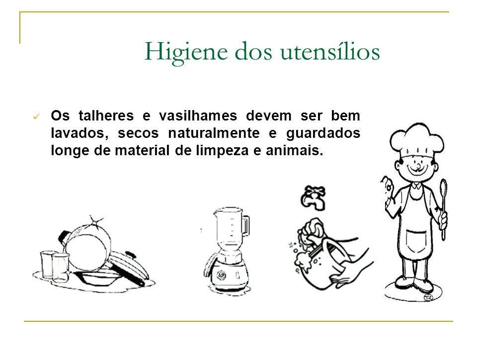 Azulejos das paredes: Próximo às bancadas - Diariamente: Esfregar com detergente e bucha Enxaguar com água corrente (cuidado com as tomadas e equipame