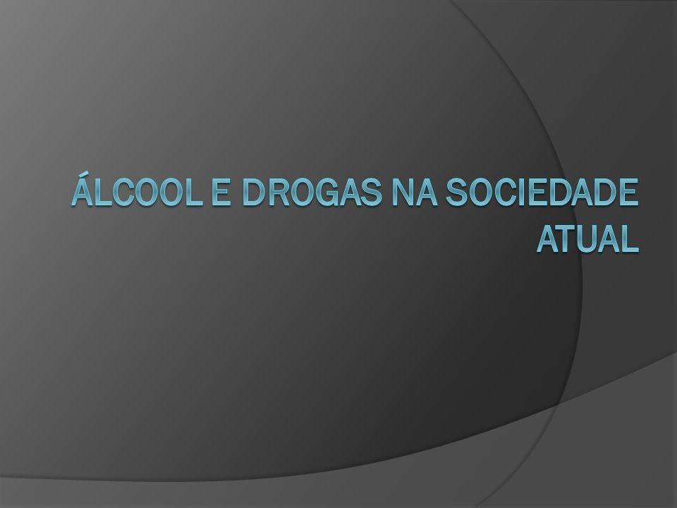 INTRODUÇÃO As pessoas que usam drogas são discriminadas pela sociedade, pois não se encontram em seu estado normal, não acompanham um diálogo, comportam-se inadequadamente e inconvenientemente e, às vezes, até de modo perigoso.