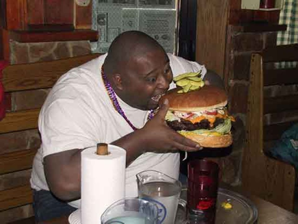 PANORAMA NOS EUA l O americano é o povo mais obeso do planeta l Em 1990 o índice de excesso de peso era de 33%. Atualmente cerca de 50% a 55% da popul