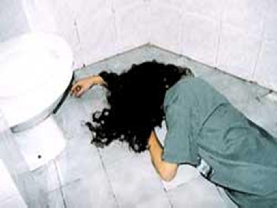 RISCOS l Um terço dos pacientes com Bulimia Nervosa apresentam Abuso e/ou dependência de drogas (álcool, estimulantes anoréxicos e outras drogas ilíci