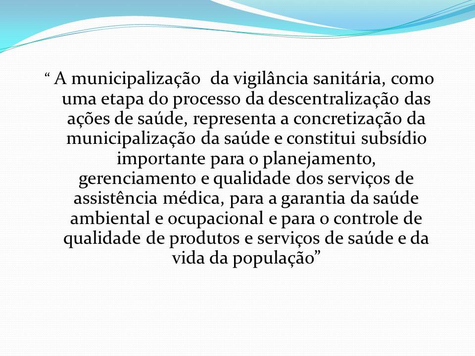 O PODER DE POLÍCIA PODER DE POLÍCIA: Conjunto de atribuições concedidas a administração para disciplinar e restringir, em favor do interesse publico,