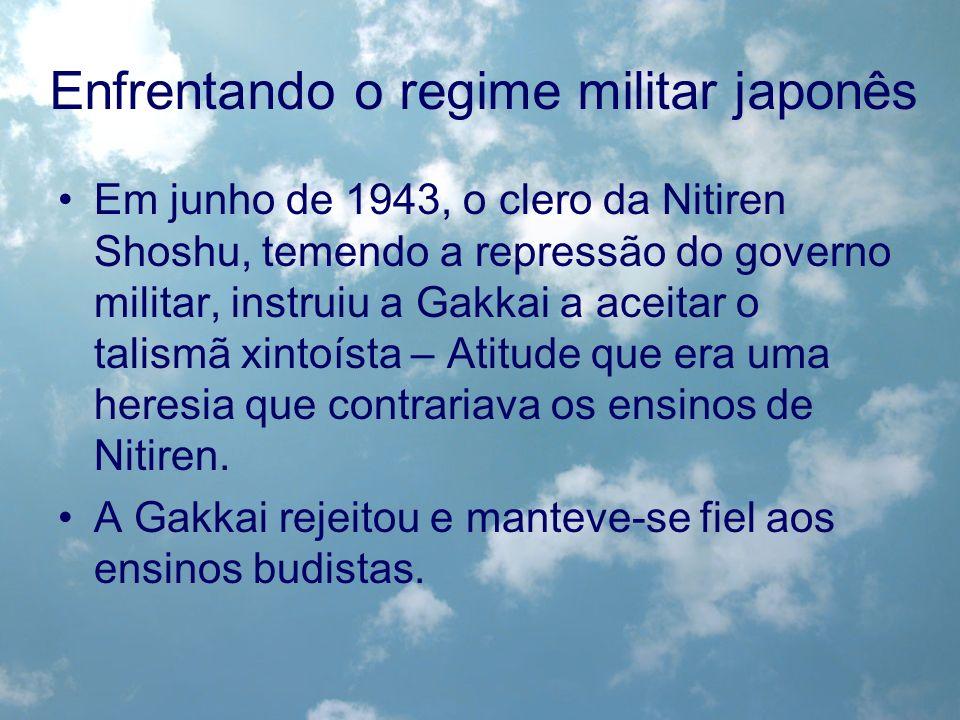 Em junho de 1943, o clero da Nitiren Shoshu, temendo a repressão do governo militar, instruiu a Gakkai a aceitar o talismã xintoísta – Atitude que era