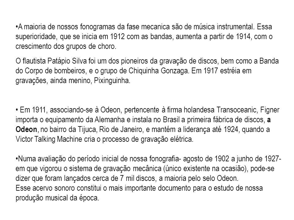 As origens do Samba O samba não existiria se não tivessem existido o Maxixe, o Lundu e as múltiplas formas de samba folclórico, praticados nas rodas de batuque.