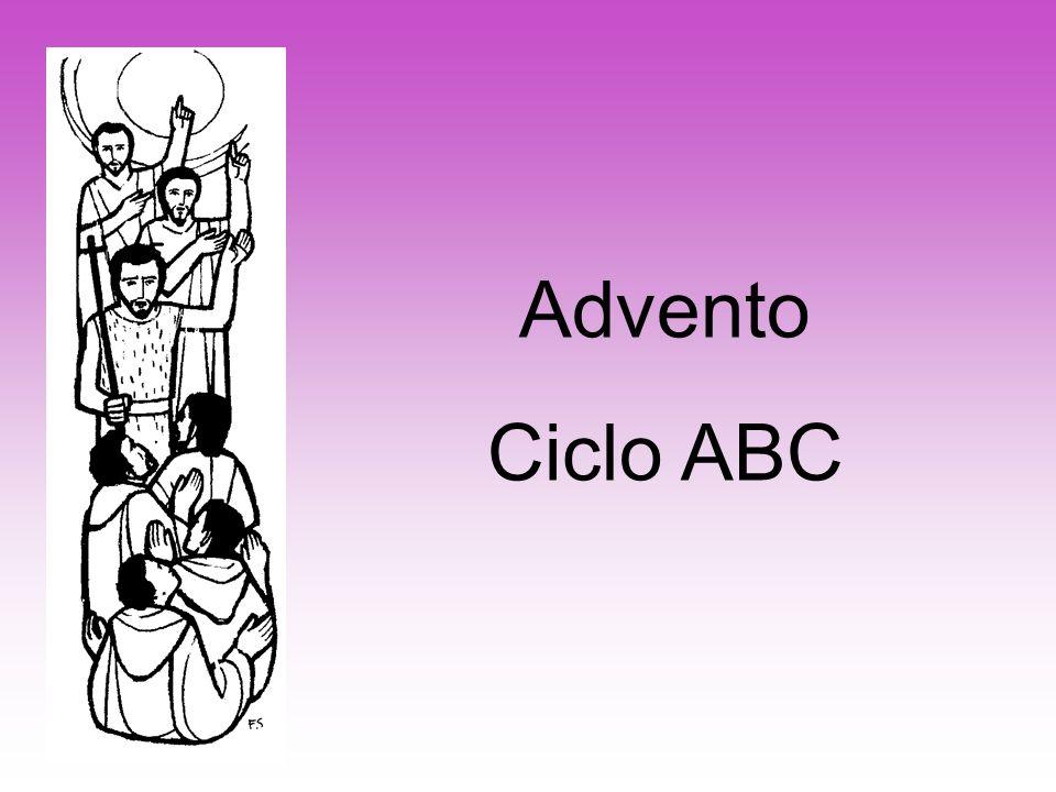 –Não existe nos livros litúrgicos nenhuma prescrição sobre o uso da Coroa do Advento.